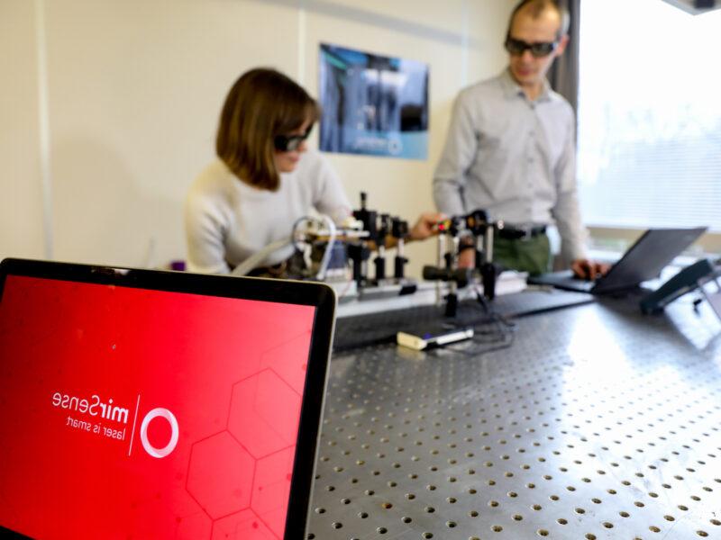 Mirsense's team at work - Lab