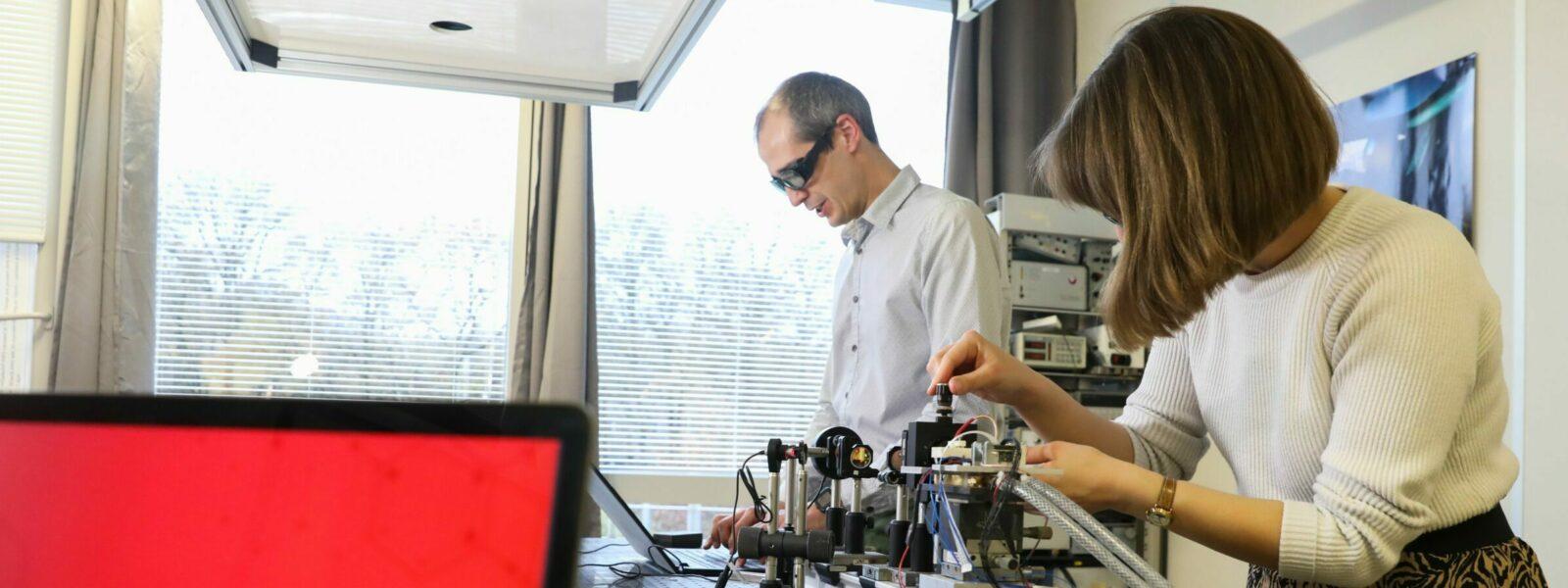 Mirsense's team at work on laser